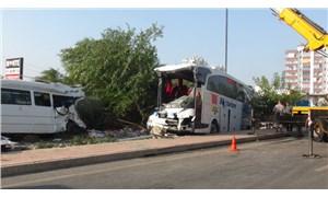 Mersin'de yolcu otobüsü devrildi: 37 yaralı