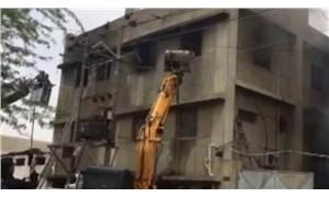Pakistan'da fabrika yangını: En az 15 işçi yaşamını yitirdi