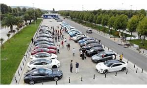 Maltepe'de elektrikli otomobillerden 'sessiz' 30 Ağustos konvoyu