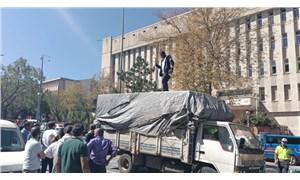 Erzurum Adliyesi önünde bir yurttaş kendini yakmaya kalkıştı