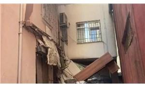 Güngören'de balkon çöktü: 5 katlı bina boşaltıldı
