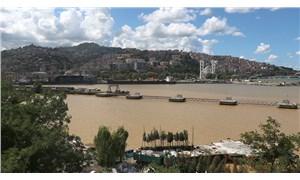 Zonguldak'ta deniz çamur rengine büründü