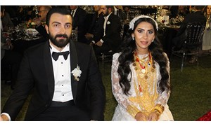 2 eski milletvekilinin torunu ve kızı evlendi: 1500 kişilik düğünde 2 milyon lira ve 4 kilo altın takıldı