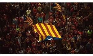 İspanya hükümeti ile Katalonya özerk hükümeti müzakere masasında
