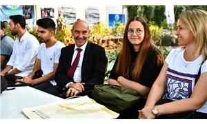 İzmir Büyükşehir'den 5 bin öğrenciye 3 bin 200 lira eğitim yardımı