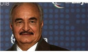 Halife Hafter, seçimlere girebilmek için askeri yetkilerini devretti