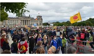 Berlin'de İklim İçin Yüzbin Kişi Bir Araya Geldi