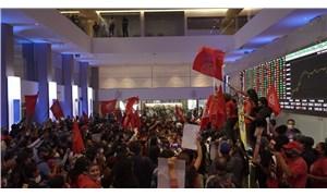 Brezilya'da Evsiz İşçiler Hareketi, borsa binasını işgal etti