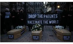 İngiltere'de aşı patentlerine protesto: Aşı stoklamaya son verin