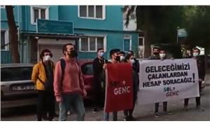 İzmir'de SOL Genç'ten TÜGVA önünde eylem