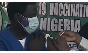 Nijerya'da kamu çalışanlarına Covid-19 aşısı zorunluluğu getiriliyor