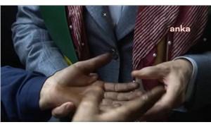 Akşener'e derdini anlatan vatandaş: Çeksinler ellerimin halini, o iktidar görsün