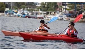 İzmir Körfez'de kano heyecanı