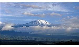 Dünya Meteoroloji Örgütü: Kilimanjaro buz sahası 20 yıl içinde yok olacak