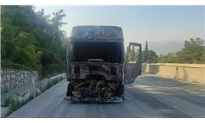 Bursa'da seyir halindeki TIR'a arkadan çarpan TIR yandı