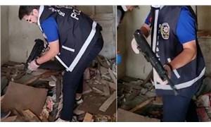 Beyoğlu'nda molozların arasına gizlenmiş MP5 bulundu