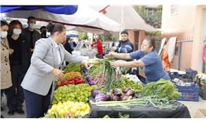 Pazarda yurttaşlarla sohbet eden Çerçioğlu: Vatandaşlar hayat pahalılığından şikâyetçi