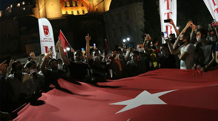Ayasofya'ya 235 TL'ye 'namaz turu' ilanı