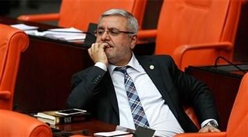 Mehmet Metiner, canlı yayında 6 saniye 'dondu'