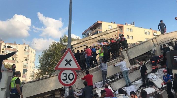 VIDEO: İzmir depremle sarsıldı