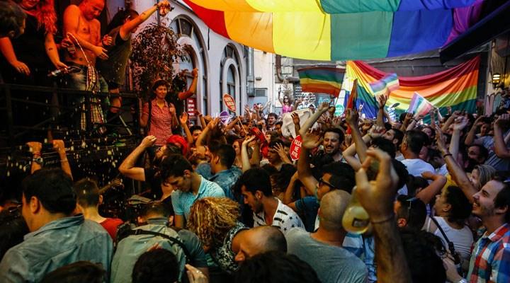 Nefretiyle rekor kırdı: En çok LGBTİ+ haberi yapan gazete Akit oldu
