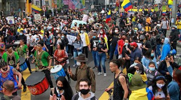 Kolombiya halkı sağcı hükümete boyun eğmiyor