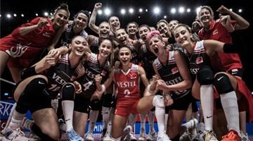 Kadın Voleybol Takımı, dörtlü finalde