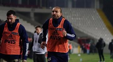 Fenerbahçe'de 2 futbolcu kadro dışı bırakıldı