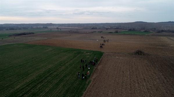 Türkiye mülteci kozunu devreye soktu: Göçmenler Avrupa sınırına akın ediyor
