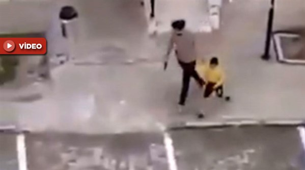 Mardin'de bir polis çocukları silahla kovaladı!